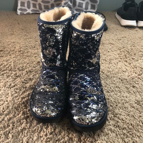 Women s blue sequin ugg boot with original box 70b59a2bfb
